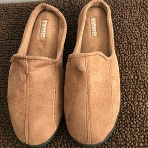 Izod Brown House Slippers